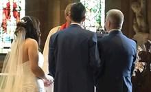 Mladoženja je mladenku ostavio pred oltarom, istrčao iz crkve i napravio nešto što je nasmijalo sve prisutne