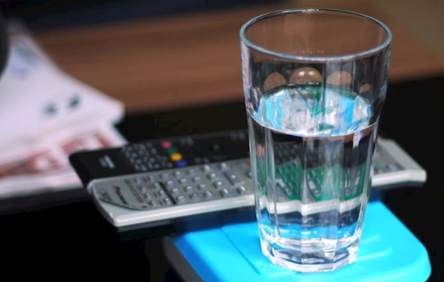 Osjećate se umorno, loše, imate glavobolje i grčeve? Popijte vode kako biste izbjegli dehidraciju i brojne ostale probleme koje voda rješava.