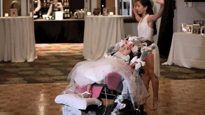 VIDEO Djevojčica je pripremila iznenađenje za mamino vjenčanje, ona i sestra dirnule su okupljene