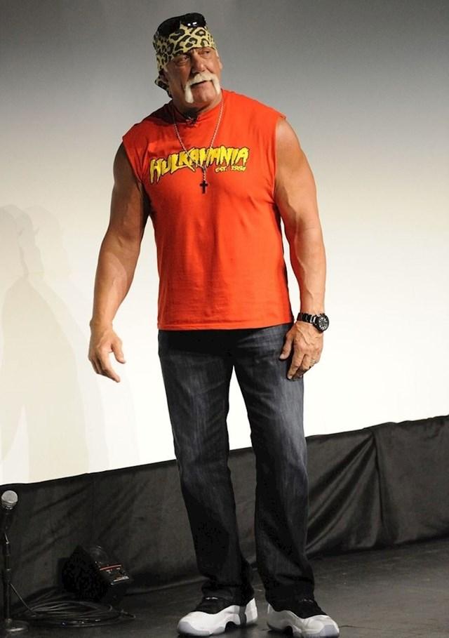 Hulk Hogan - 201 cm