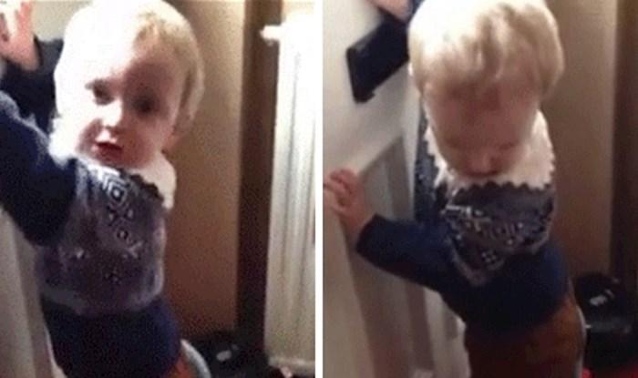 Mama je snimala kako sinčić čeka poštu, a onda je došlo do nepredviđenog problema