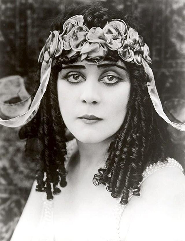 Theda Bara — Kleopatra (1917)
