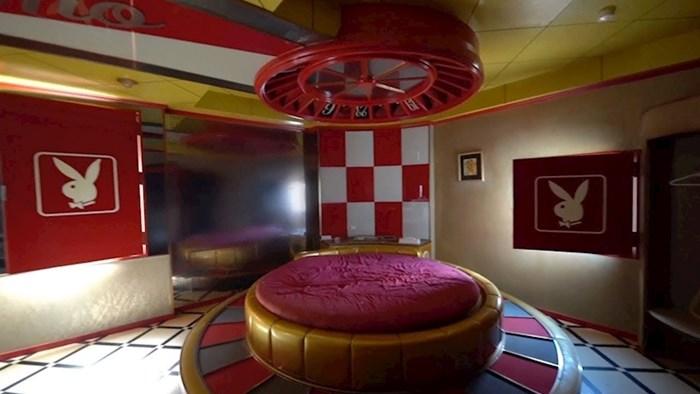 """VIDEO Muškarac je istražio napušteni """"ljubavni motel"""", unutra je naišao na nesvakidašnje prizore"""