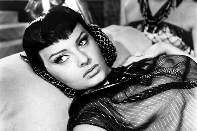Sophia Loren — Dvije noći s Kleopatrom (1954)