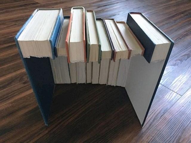 """""""Danas sam napravila lažne knjige u kojima se može nešto sakriti."""""""