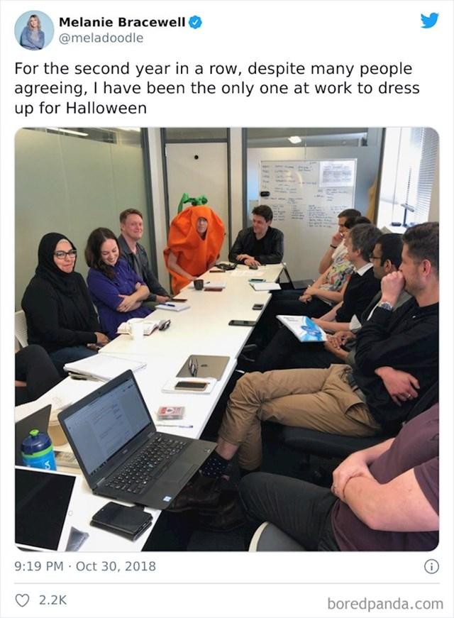 Čitava ekipa iz ureda planirala je nešto obući za Noć vještica, ali...
