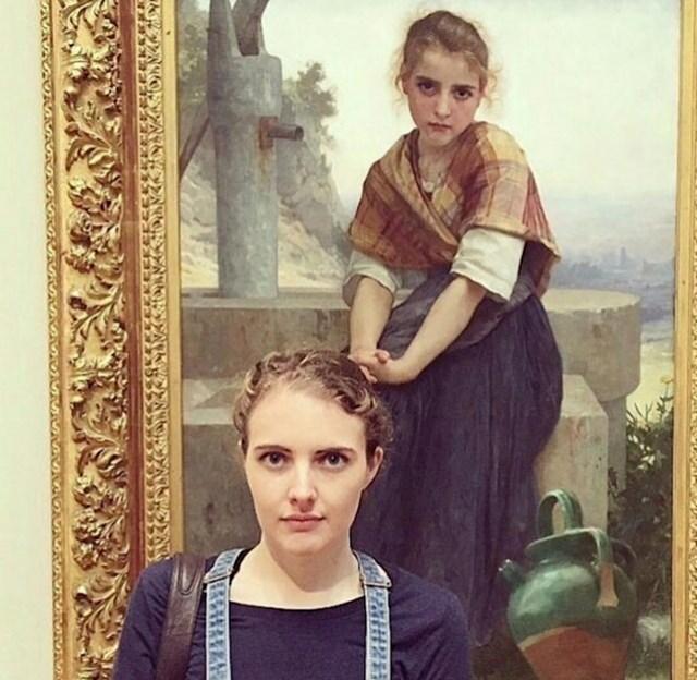 U muzeju je našla - sebe.