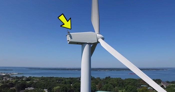 VIDEO Dok je dronom snimao krajolik, pronašao je nešto neočekivano na vrhu vjetrenjače