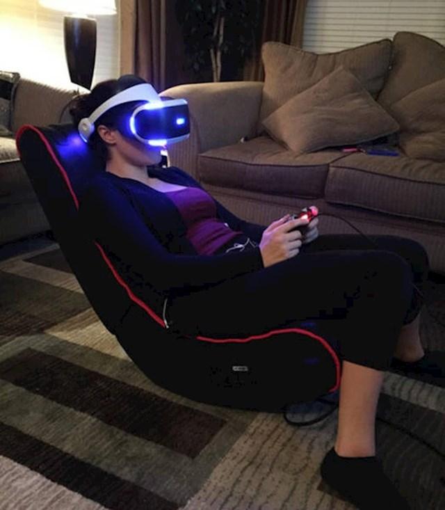 """""""Kupili smo VR set za konzolu, još uvijek ga nisam uspio isprobati..."""""""