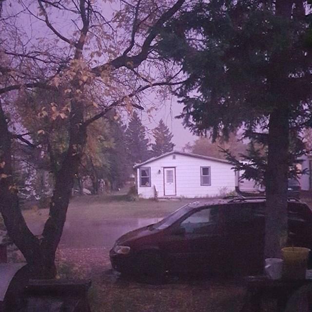 """""""Ovu fotku sam napravio tijekom noćne oluje. Cijelo vrijeme je sijevalo, izgledalo je kao da je dan."""""""