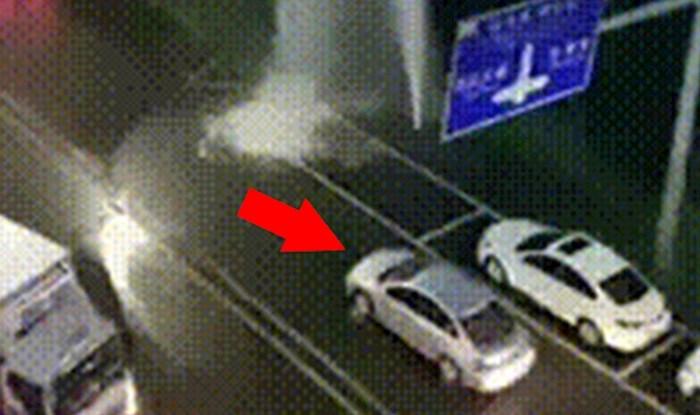 Kraj ceste je pukla cijev, vozači su to iskoristili na genijalan način