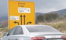 Dalmatinca nasmijale njemačke tablice na ovom autu, pogledajte što je pisalo