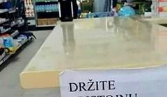 Radnici supermarketa bili su zgroženi kad su vidjeli što neki rade, napisali su obavijest