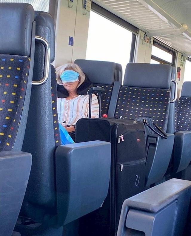 Pogledajte što je jedan putnik slikao: