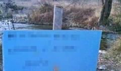 Netko je jako naljutio mještane, pogledajte kakav je natpis ostavio u blizini rijeke