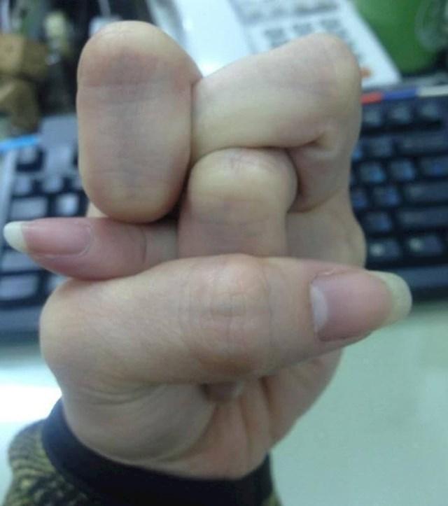 Jeste li ikad pokušali ovako namjestiti prste?
