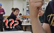 VIDEO Ovo nitko nije očekivao: Mladić otišao u kineski restoran pa začudio sve oko sebe