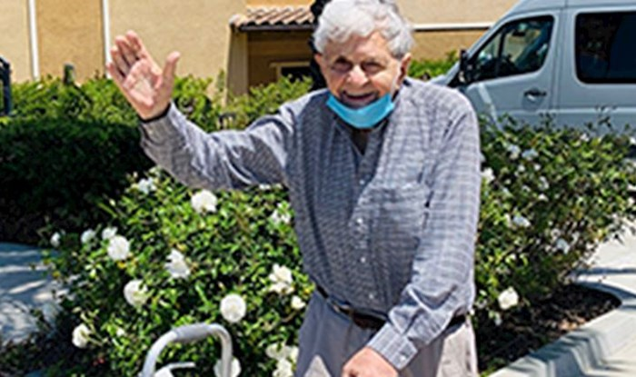 Muškarac je podijelio fora priču o 93-godišnjaku koji je tijekom karantene stopirao do dućana