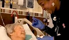 Zasuzile su joj oči kad je vidjela što medicinska sestra radi dok hrani njenu bolesnu majku