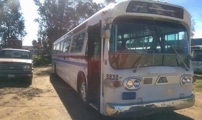 Kupila je stari autobus pa 3 godine uređivala svoj mobilni dom, rezultat će vas oduševiti