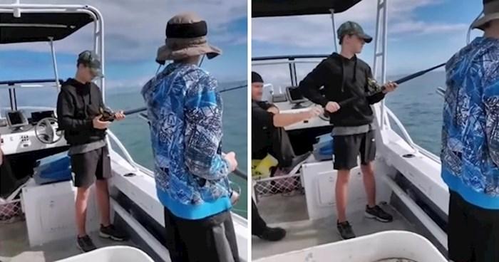 VIDEO Tata je išao sa sinom u ribolov pa našao način da ga zeza, dječaku ništa nije bilo jasno