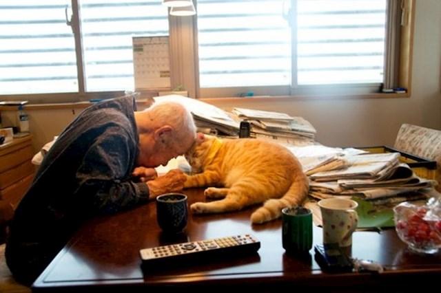 Mačka je 94-godišnjaku vratila volju za životom