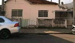 Stara kuća je prokišnjavala pa su vlasnici smislili nevjerojatno rješenje