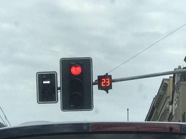 Zbog čega se semafori s brojačima vremena ne koriste u svakom gradu?