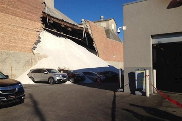 Evo što im se dogodilo kad su parkirali auto kraj tvornice soli.