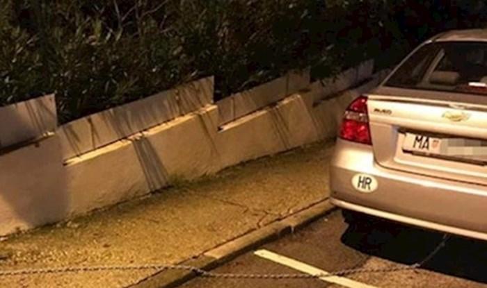 """""""Sigurnost prije svega"""" Smijat ćete se kad vidite kako je ovaj vozač iz Makarske zaštitio svoj auto"""