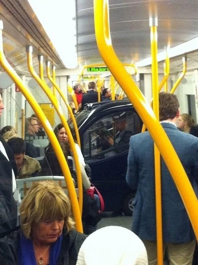 Pješaci nisu jedini koji koriste metro.