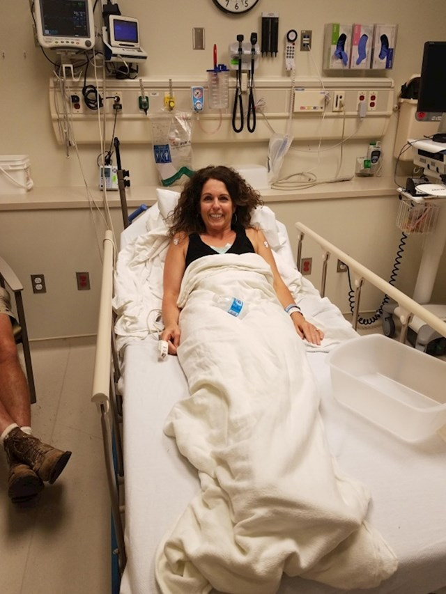 """""""Moja mama je nasmijano ležala u bolnici nakon što je danas spasila 40 djece koja su ostala zatvorena u gorućem autobusu."""""""