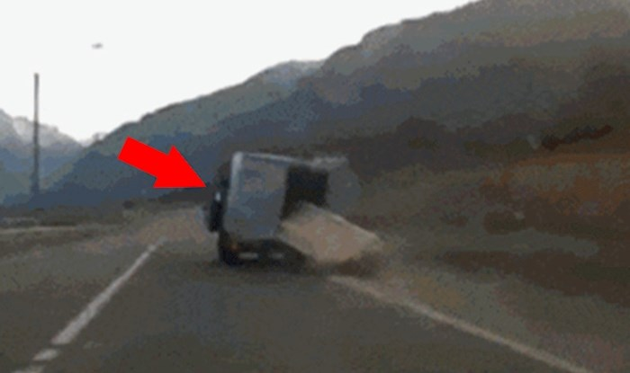 Ovo se ne događa ni u filmovima 😂 Pogledajte što je ovaj čovjek snimio na cesti