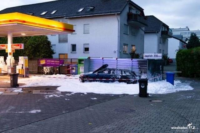 Žena u Njemačkoj je natočila krivo gorivo pa ga pokupala isisati usisavačem za čišćenje auta. Bila je to loša ideja.