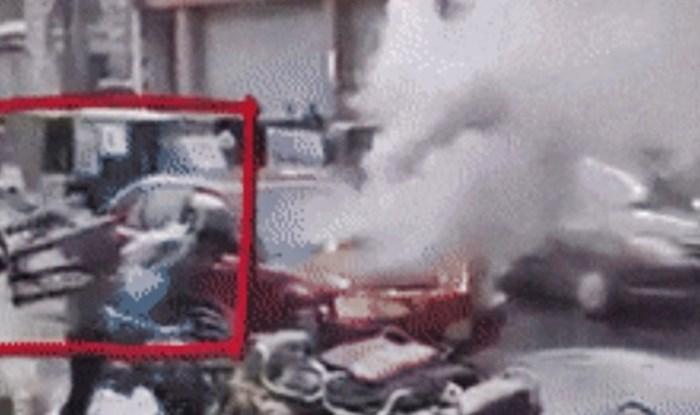 Na cesti se zapalio auto, pogledajte što je ovaj lik radio dok su drugi pomagali