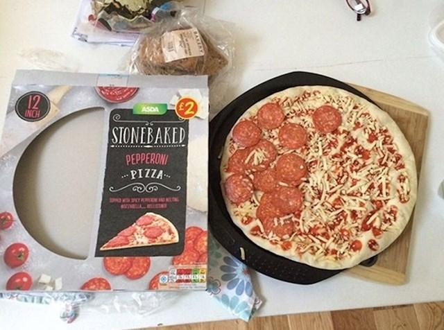 Kako ih nije sram? Pogledajte kakvu je pizzu dobila ova osoba.