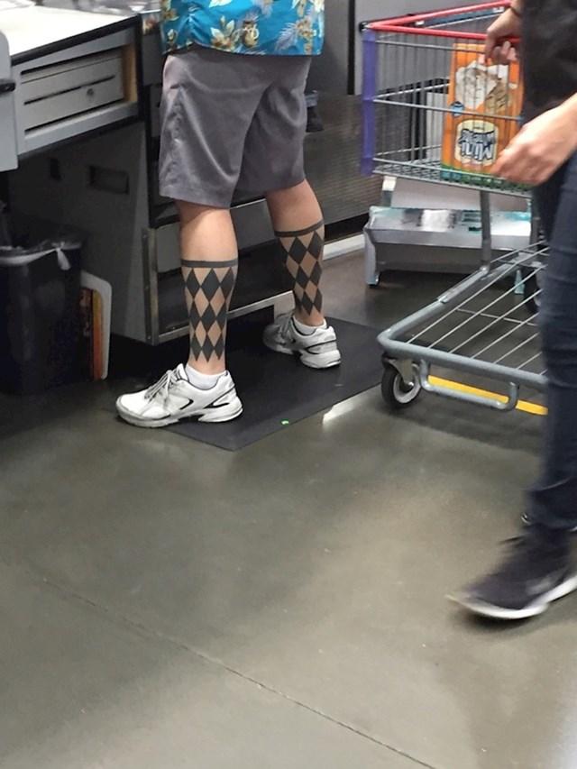 Ovaj lik uvijek ima duge čarape.