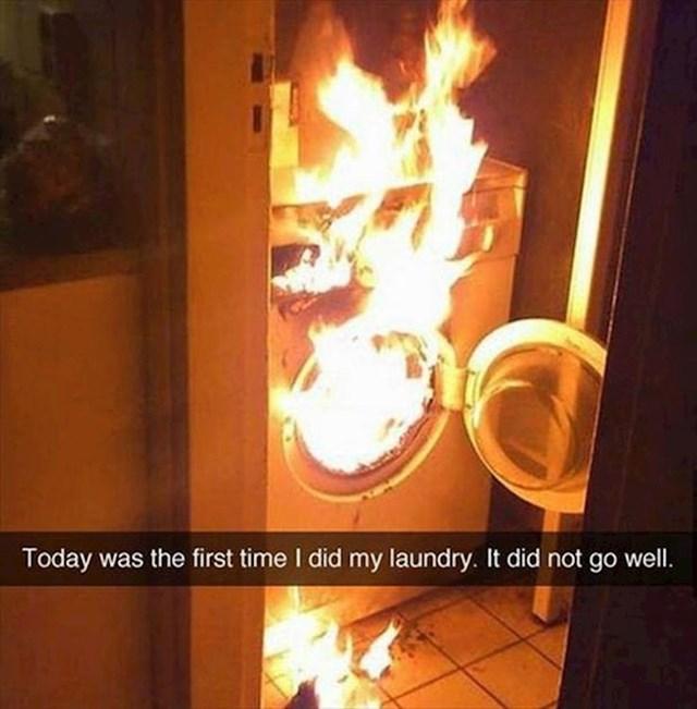 """""""Danas sam prvi put sam prao rublje. Nije dobro prošlo."""""""