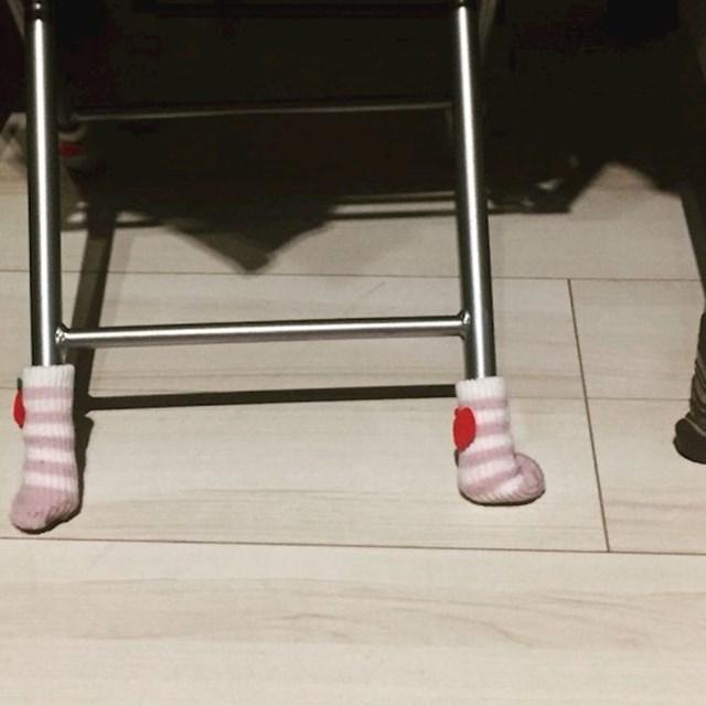 """""""Bila sam u apartmanu u kojem su stolovi i stolice imale minijaturne čarapice!"""""""
