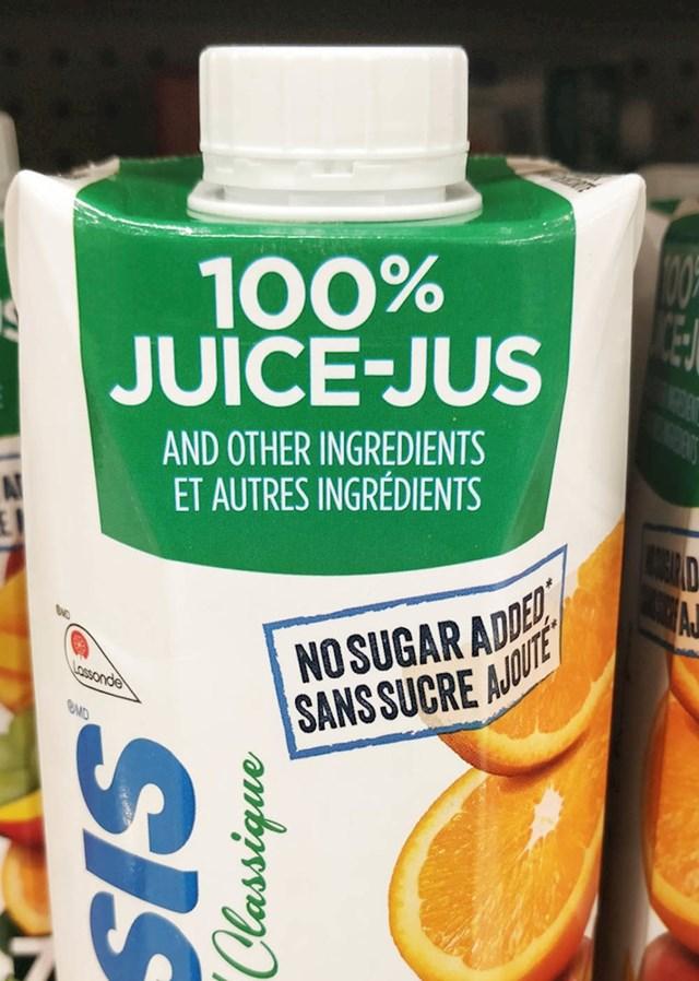 """Velikim slovima napisano je """"100% sok"""", no u nastavku manjim slovima piše """"i ostali sastojci"""". Toliko o stopostotnom soku."""