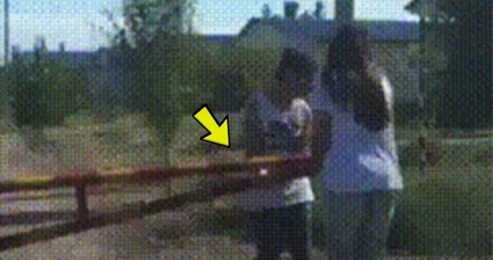 Djevojke su zapele na rampi, počele su se smijati kad su vidjele kako je mladić riješio problem