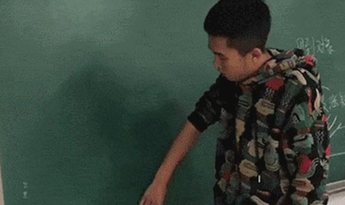 Učenik je izašao pred ploču pa izveo nešto što je zadivilo sve prisutne