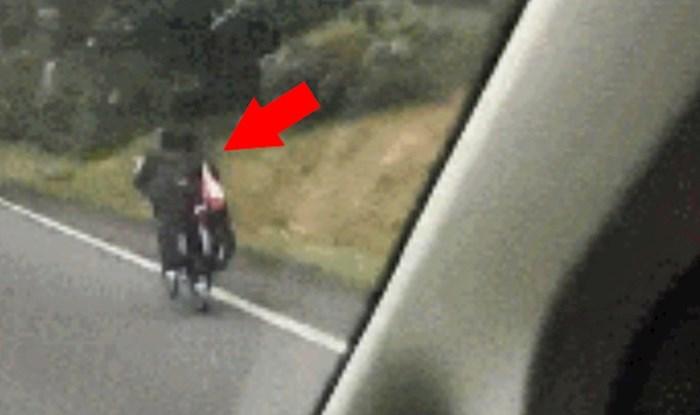 Suvozač je na cesti ugledao neočekivan prizor koji ga je nasmijao do suza