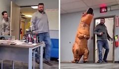 VIDEO Ovaj lik svakodnevno prepada šefa na poslu, kaže da će nastaviti dok ne dobije otkaz