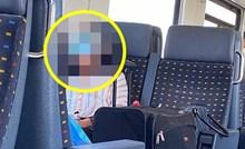 Putnik je u HŽ vlaku ugledao smiješan prizor, pogledajte kako se gospođa zaštitila od korone