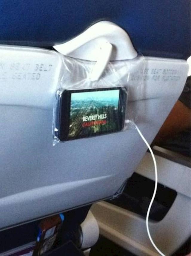 Evo što možete učiniti ako ne želite u vlaku, busu ili avionu cijelo vrijeme držati mobitel u rukama dok gledate film.