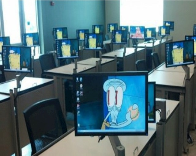 Ušli su u ured i ugledali ovo. Jednom radniku je očito bilo jako dosadno...