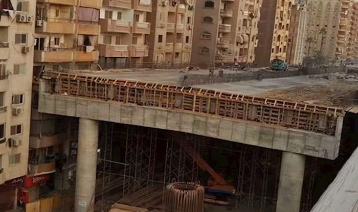 Počeli su graditi autocestu pola metra od stambenih zgrada te šokirali ljude suludom idejom
