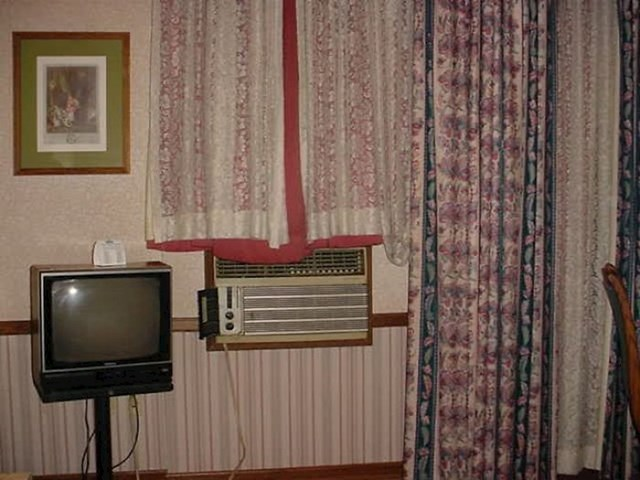 Jako moderna hotelska soba. Ovakav klima uređaj sigurno još niste vidjeli.