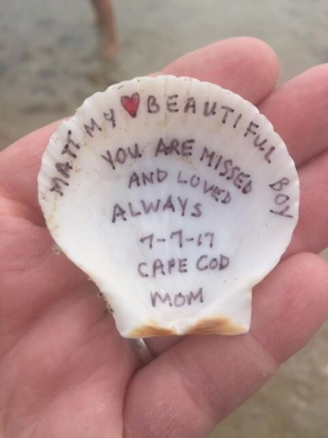 """Našli su maminu poruku: """"Matt, moj lijepi dječače. Fališ nam, volim te zauvijek. 7-7-17, Cape Cod, Mama"""""""